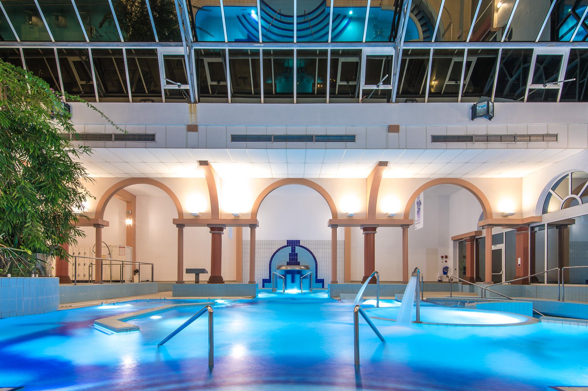 piscine inté nuit Borda_©jpeg_studios013-2